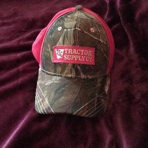 NWOT tractor supply ball cap